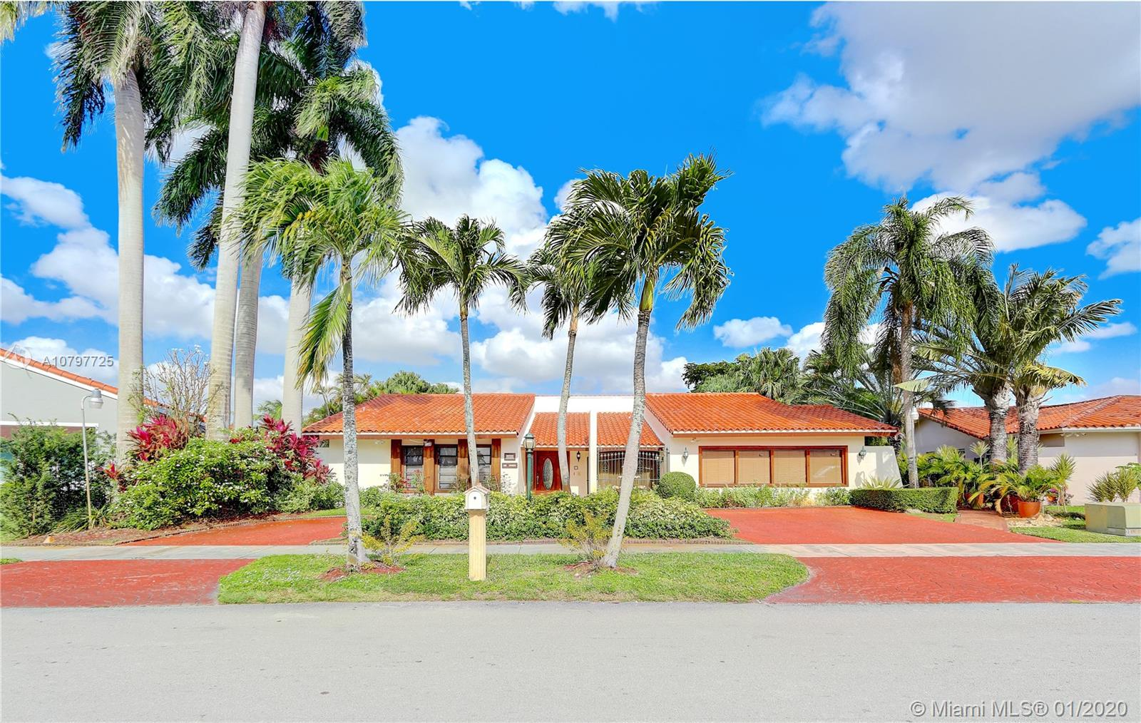 2411 SW 124th Ave  For Sale A10797725, FL
