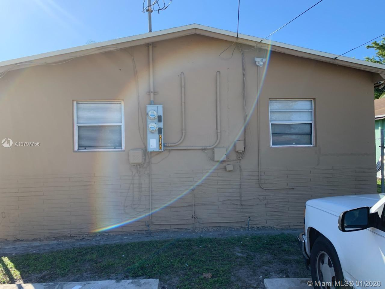 5750  Mayo St  For Sale A10797756, FL