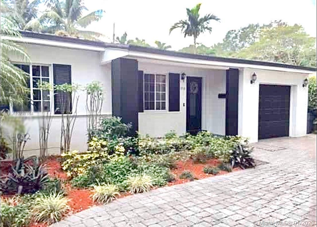 920  Venetia Ave  For Sale A10797884, FL