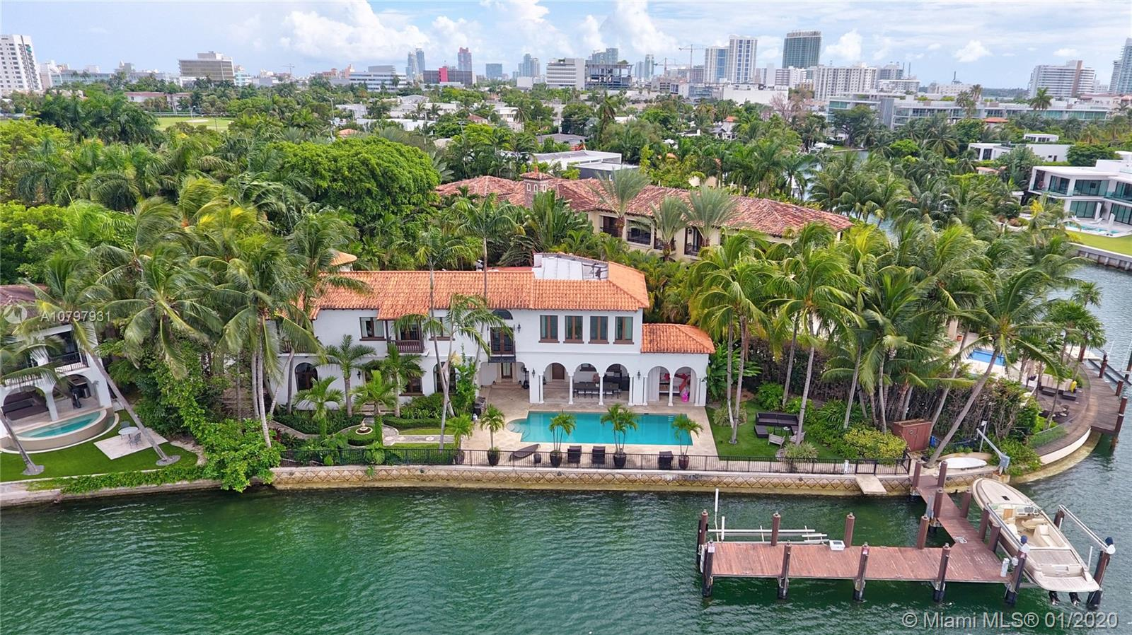 2050 N BAY RD  For Sale A10797931, FL