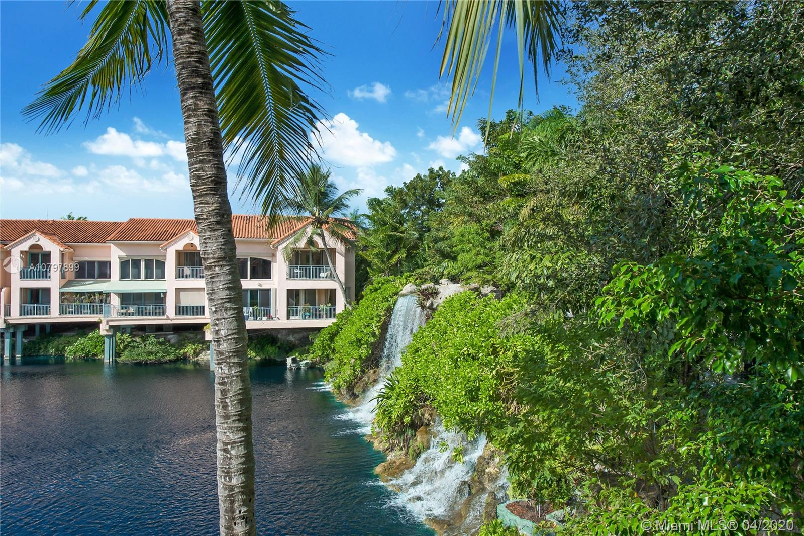 8800 SW 67th Ct  For Sale A10797899, FL