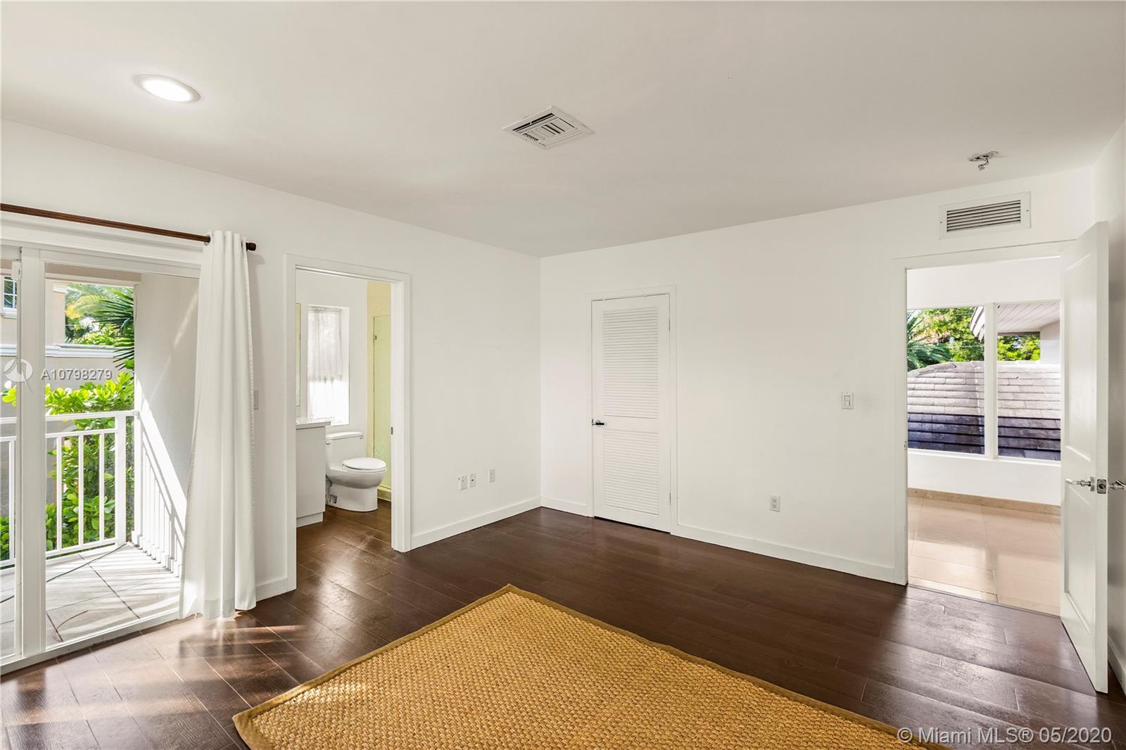186 E Sunrise Ave  For Sale A10798279, FL