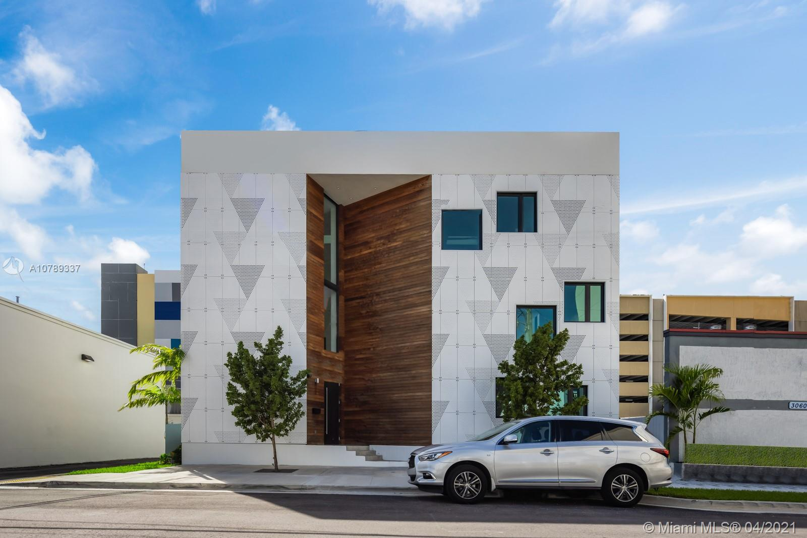 3070 SW 38th Ct, Miami, FL 33146