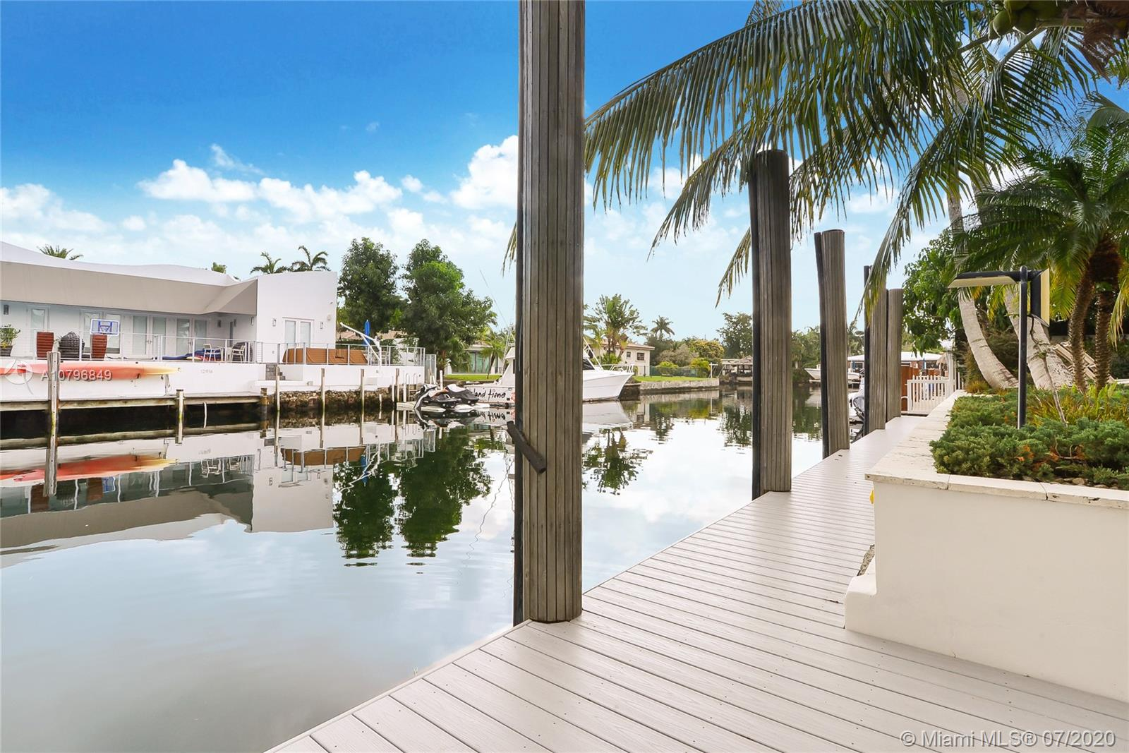 12917  Banyan Rd  For Sale A10796849, FL