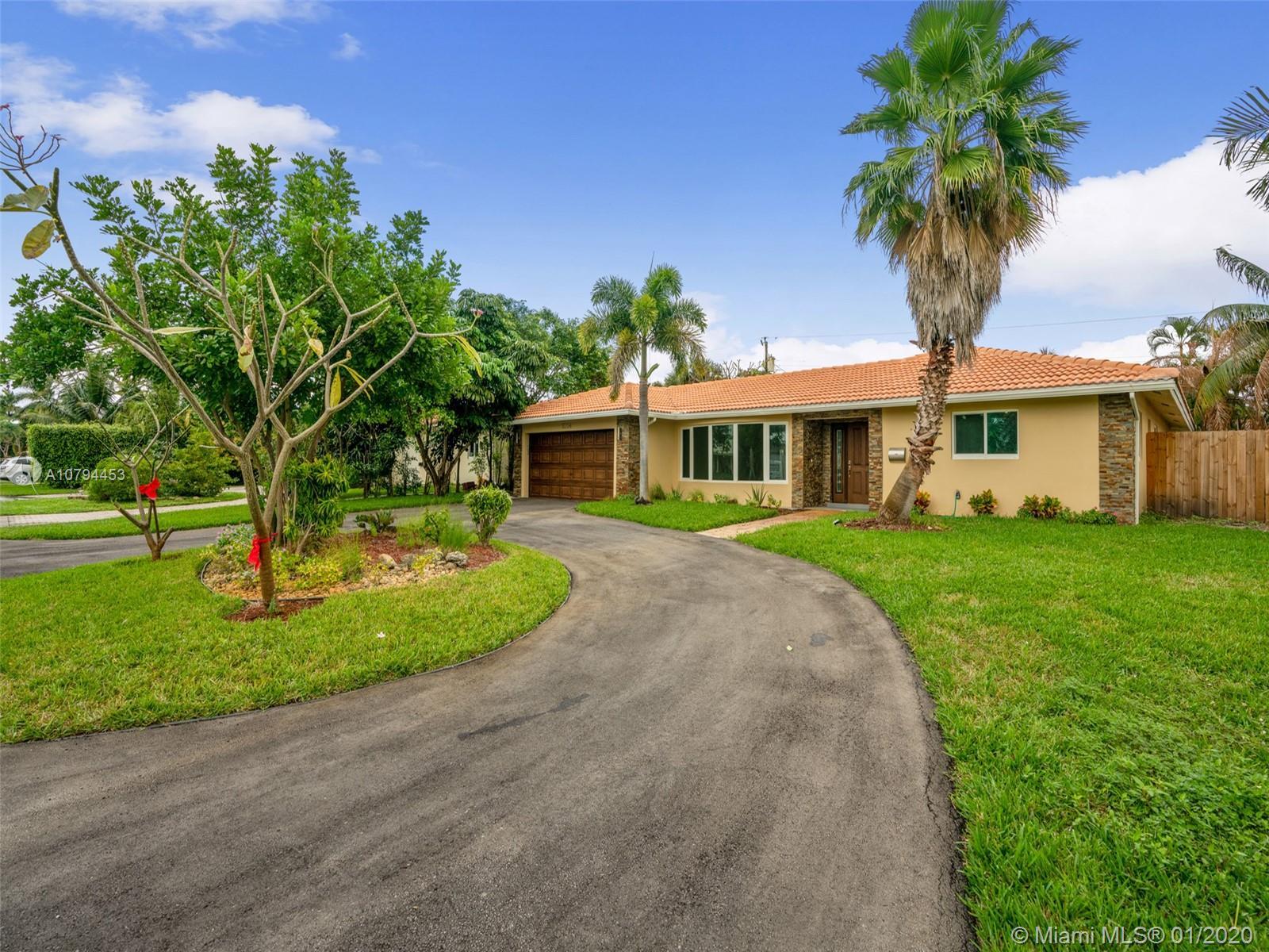 5754 NE 15th Ave  For Sale A10794453, FL