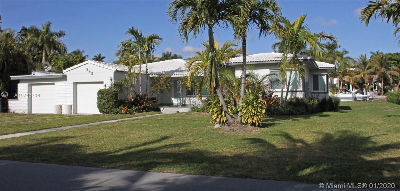 945 NE 75th St  For Sale A10798706, FL
