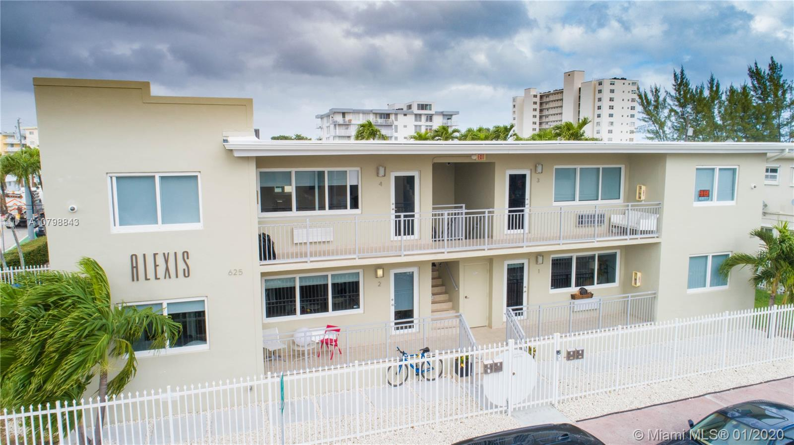 625  77th St  For Sale A10798843, FL