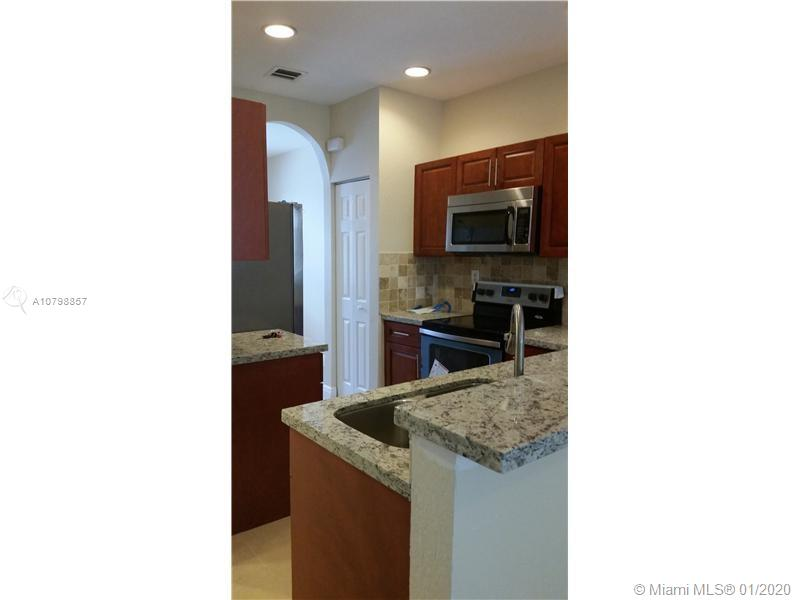 6035 SW 19th Ct #6035 For Sale A10798857, FL