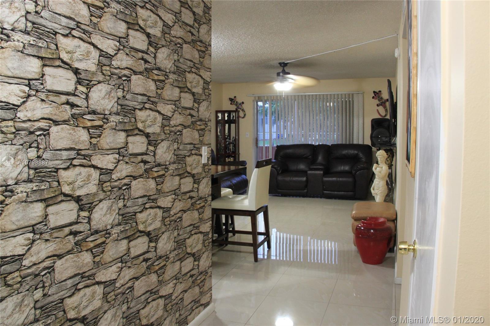 1200  Tallwood Ave #106 For Sale A10798887, FL