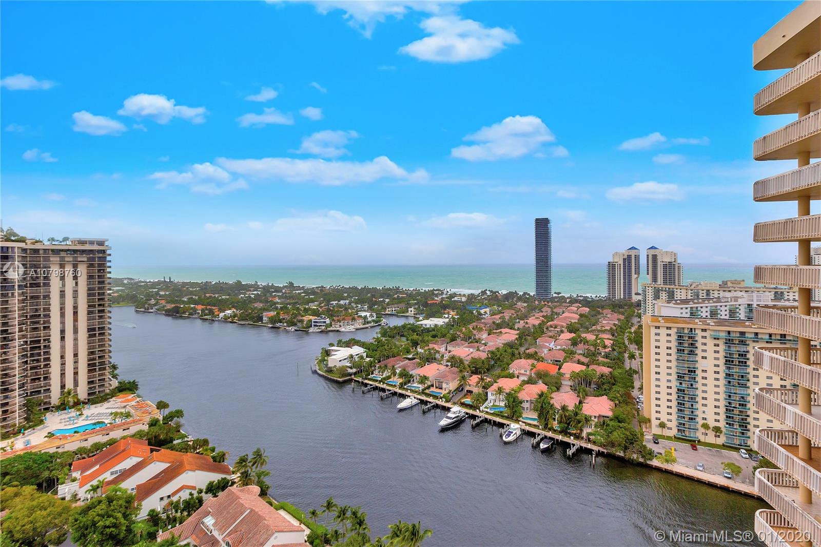 19355  Turnberry Way #25A For Sale A10798760, FL