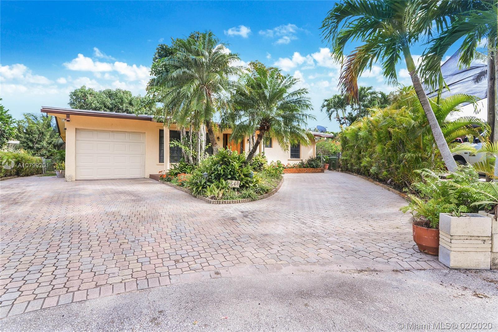 2648  Flamingo Ln  For Sale A10799201, FL