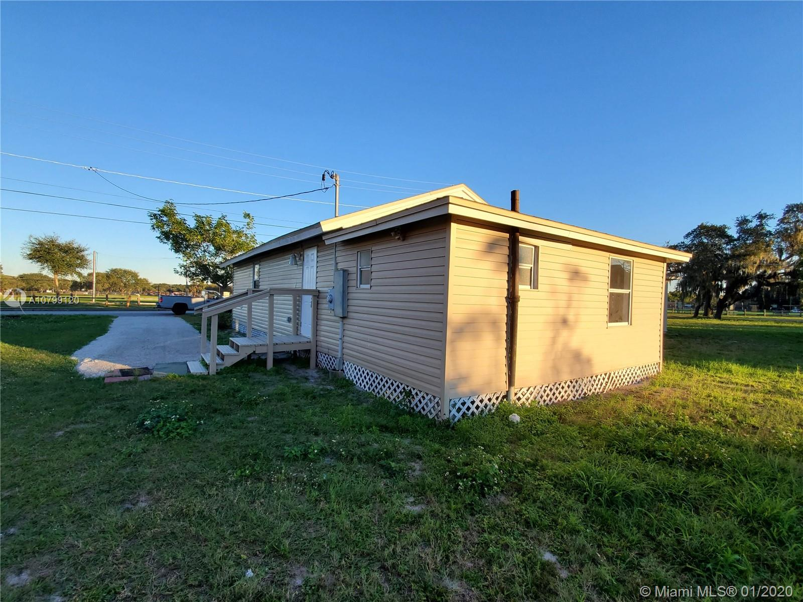 1135 NE Fairfax ST, Other City - In The State Of Florida, FL 33880