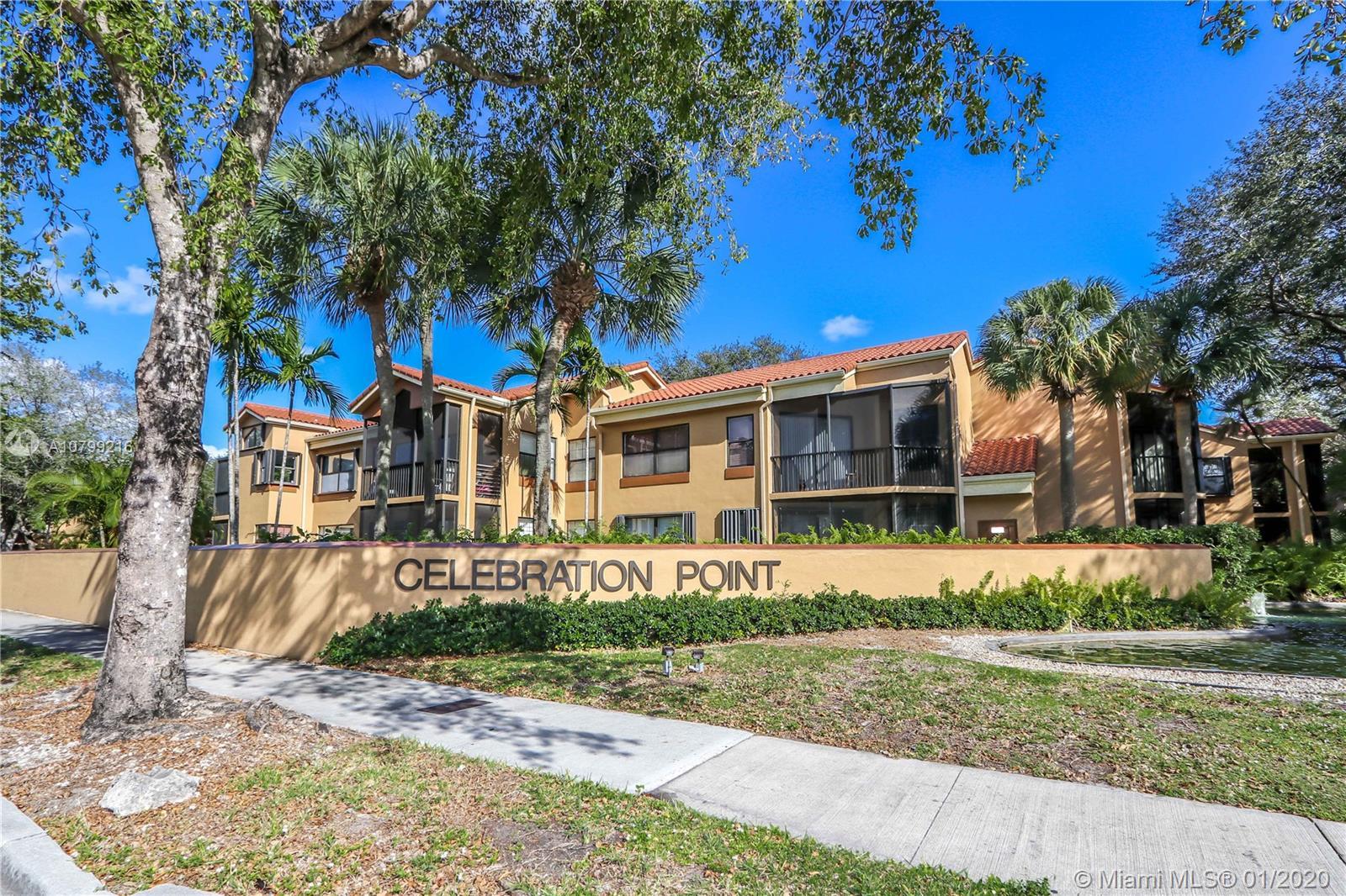 15495 N Miami Lakeway N #102-4 For Sale A10799216, FL