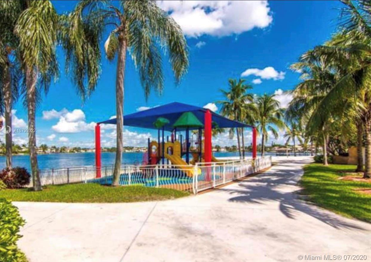 10972 NW 73rd St  For Sale A10799322, FL