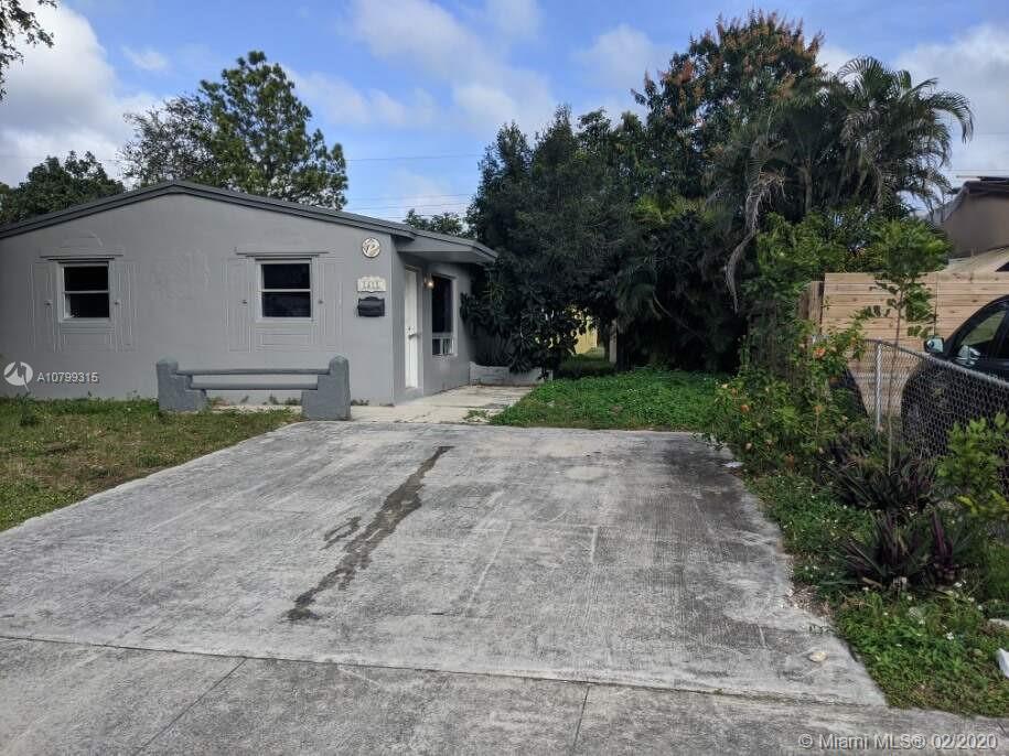 1611 N 69th Way  For Sale A10799315, FL