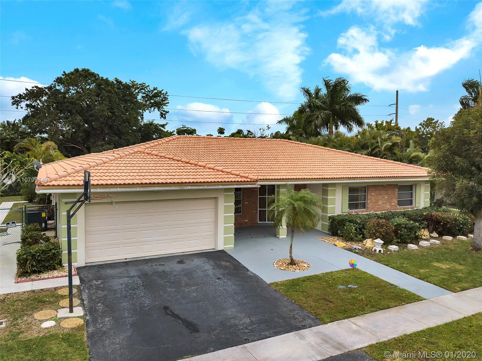 16540  Royal Poinciana Ct  For Sale A10799349, FL