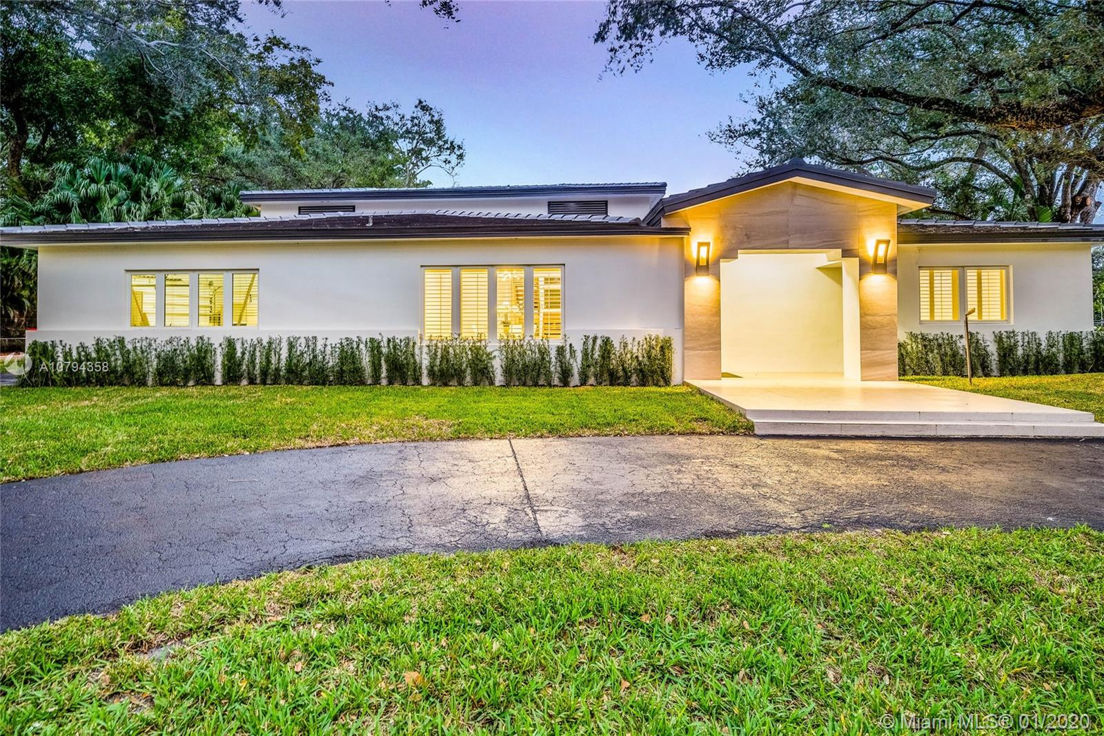 5901  Maynada St  For Sale A10794358, FL