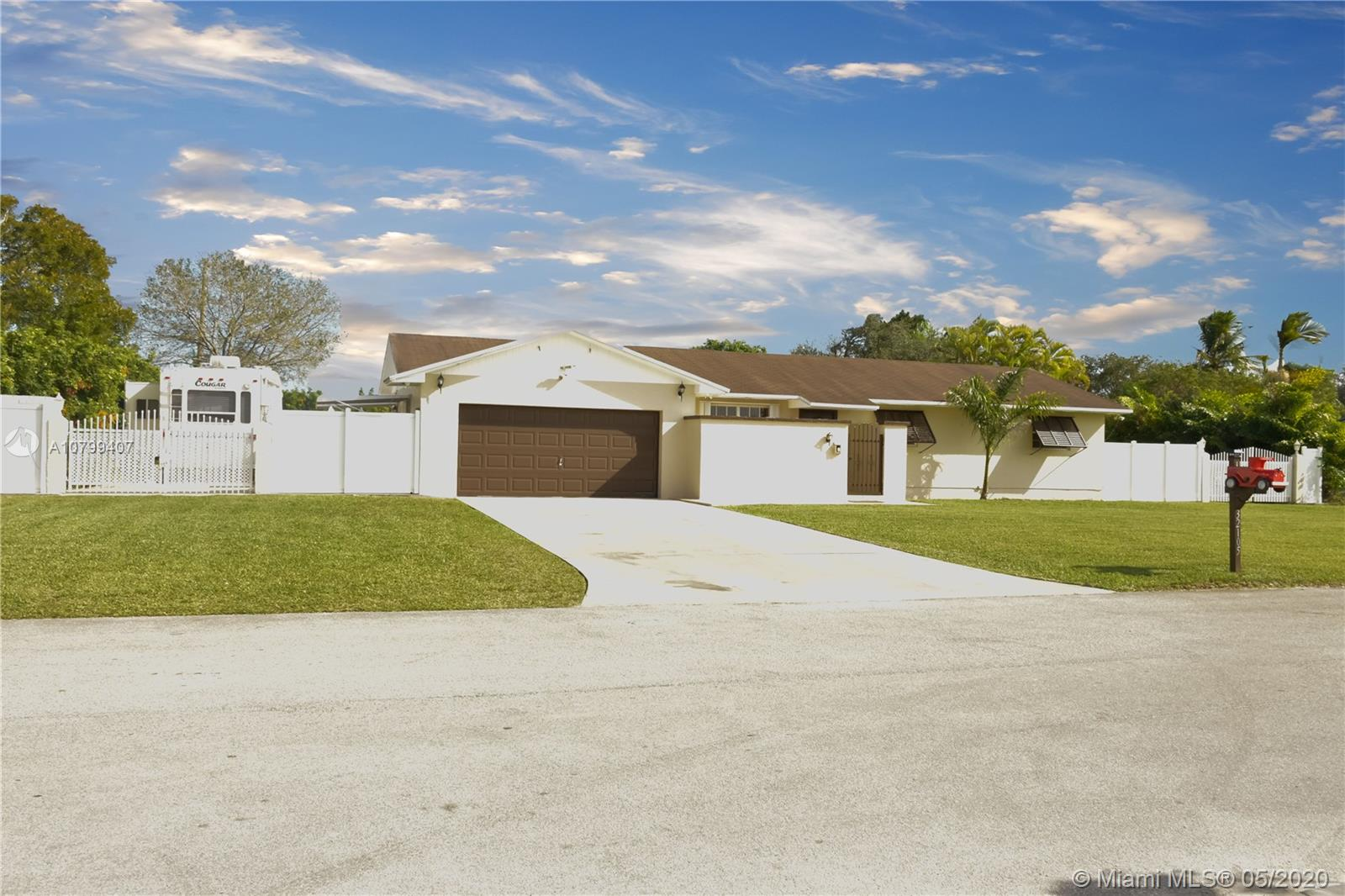 32105 SW 199th Ct  For Sale A10799407, FL