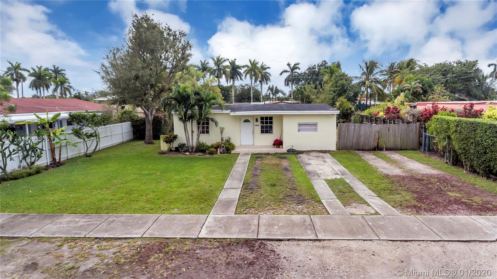 10040 SW 47th St  For Sale A10798935, FL