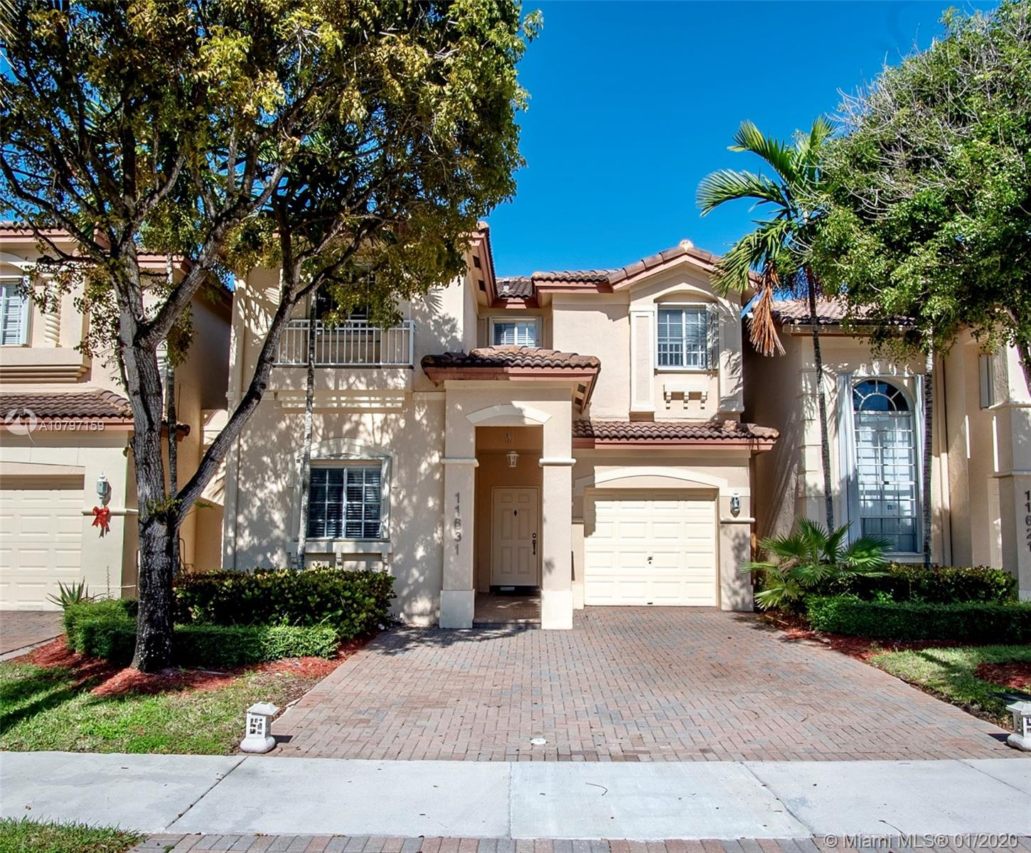 11631 NW 68th Ter  For Sale A10797159, FL