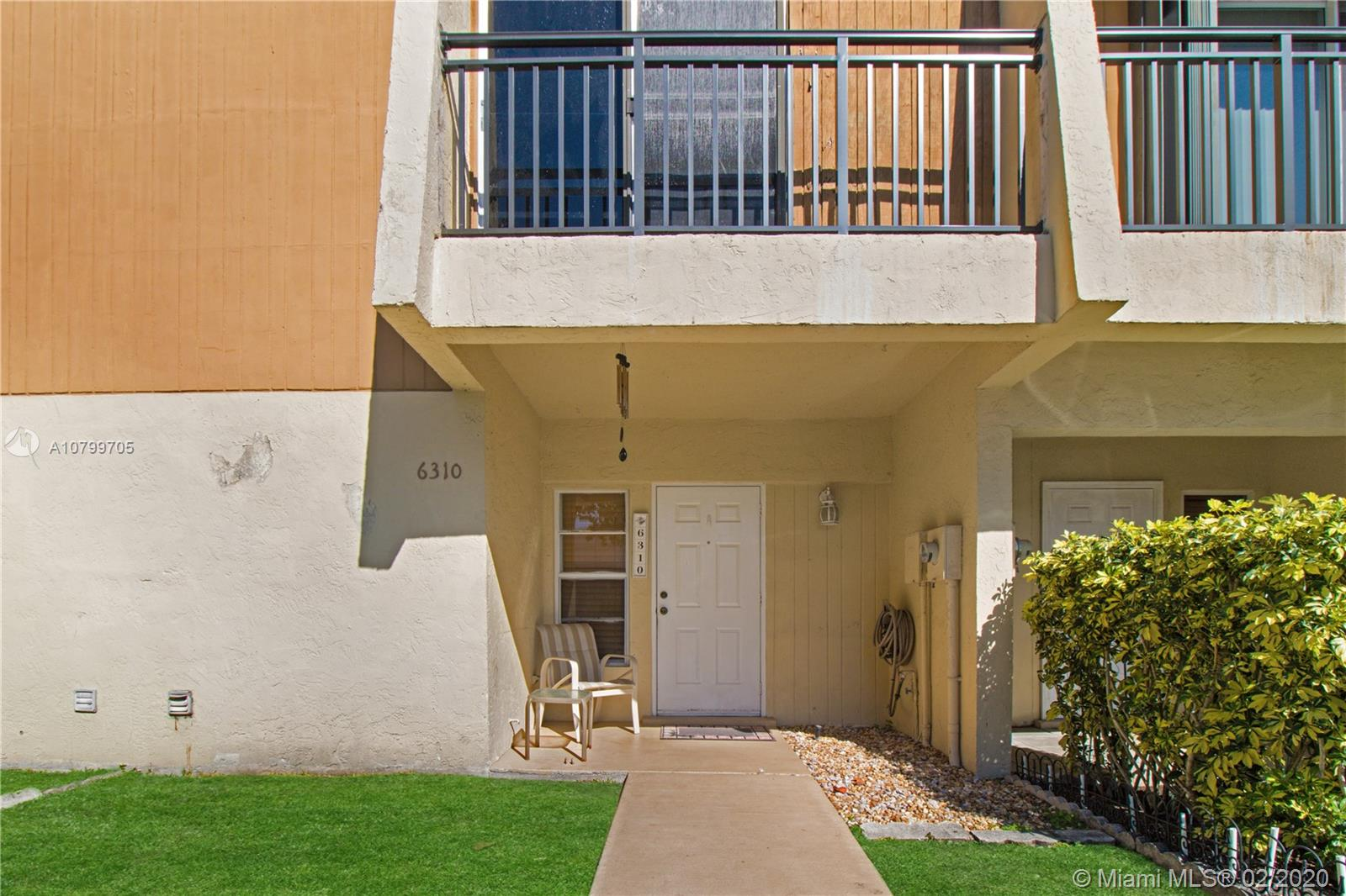 6310  Moseley St #7 For Sale A10799705, FL