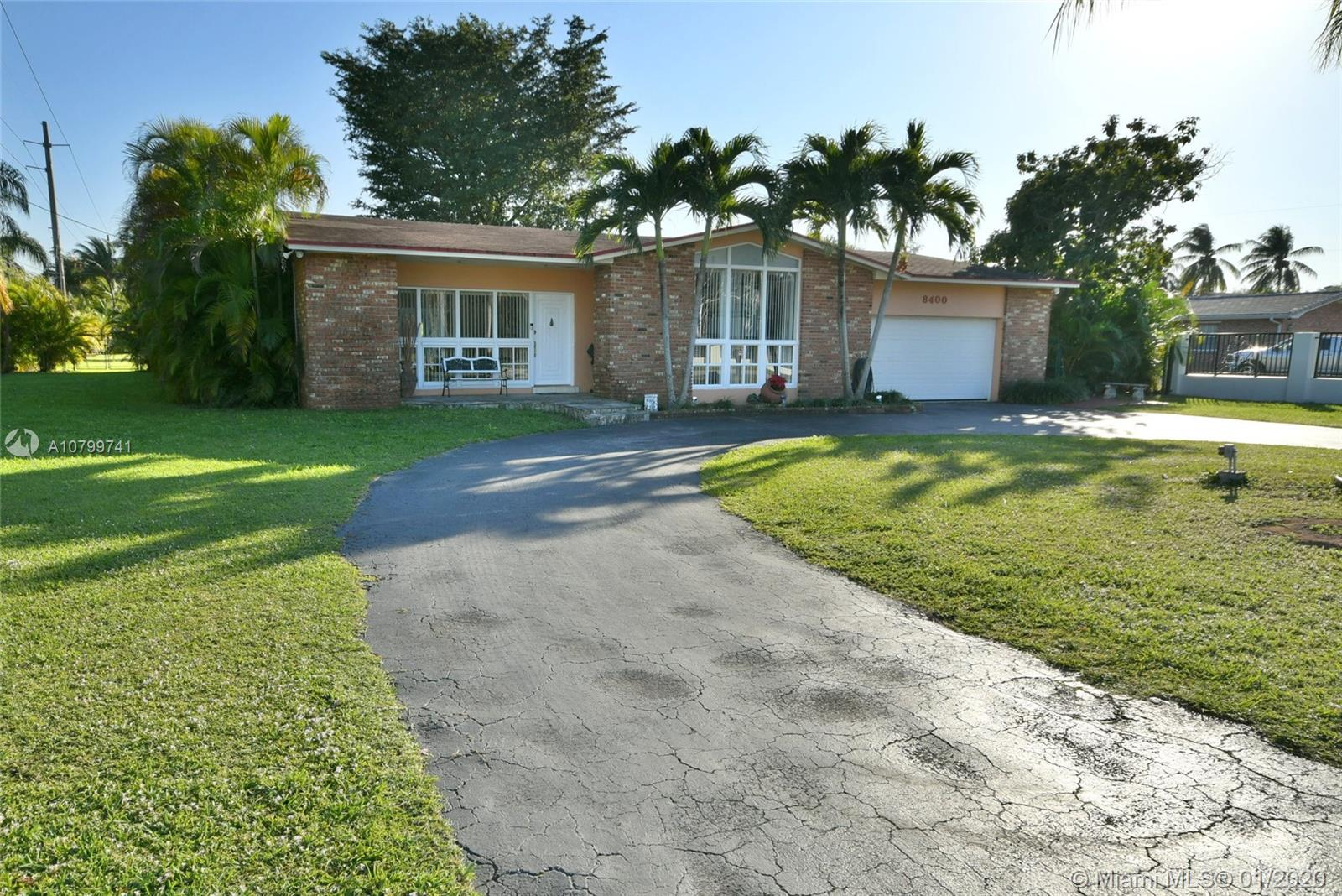 8400 SW 58th St  For Sale A10799741, FL