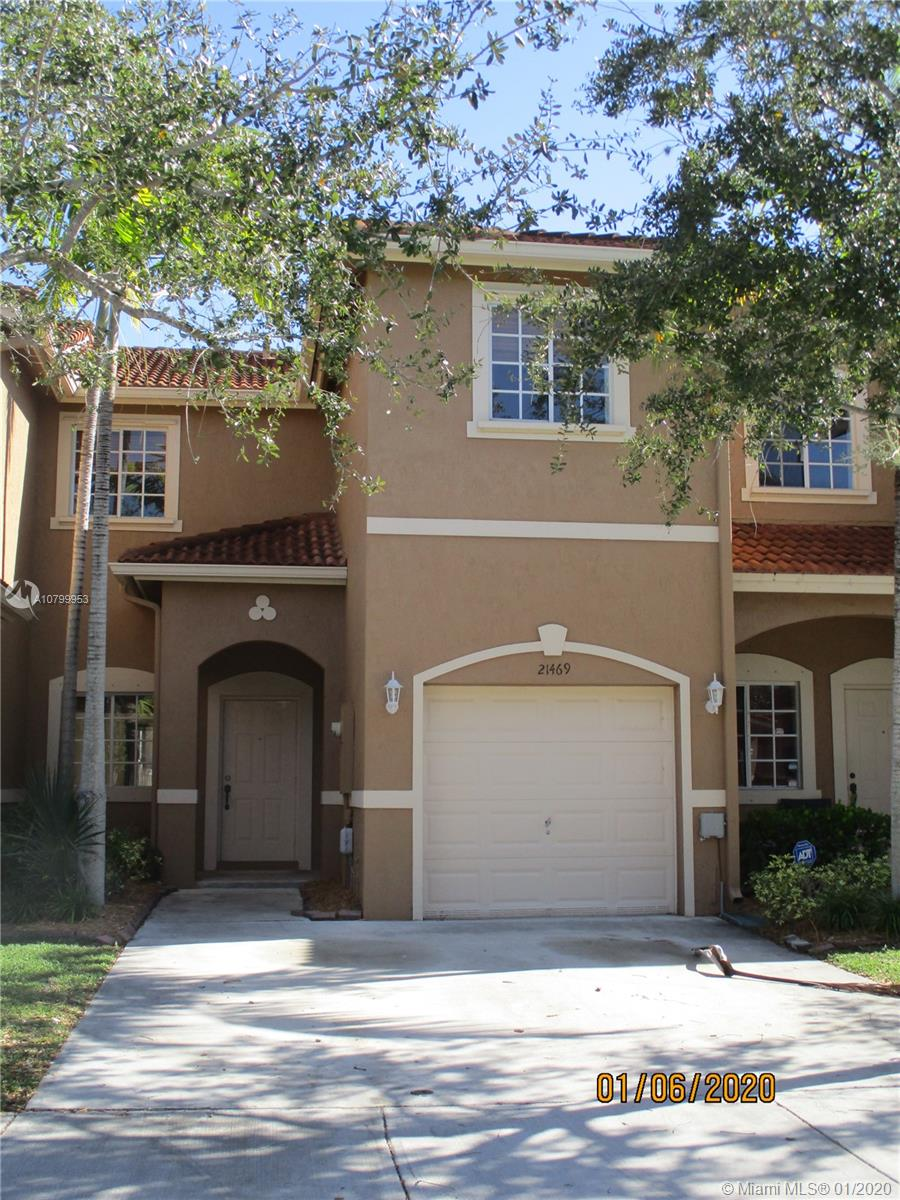 21469 SW 85th Psge  For Sale A10799953, FL
