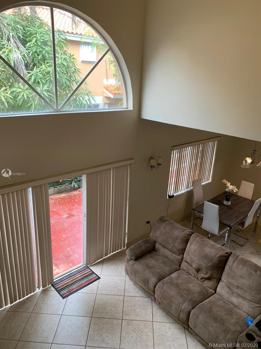 3 bedrooms 3 baths split level townhouse located in a great community.  Nice kitchen with all appliances in working conditions.  Spacious private outdoor with fruit trees.