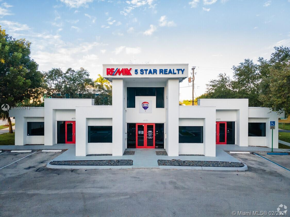 4131  Hollywood Blvd #102 For Sale A10800214, FL
