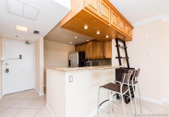 20301 W Country Club Dr #627 For Sale A10800236, FL