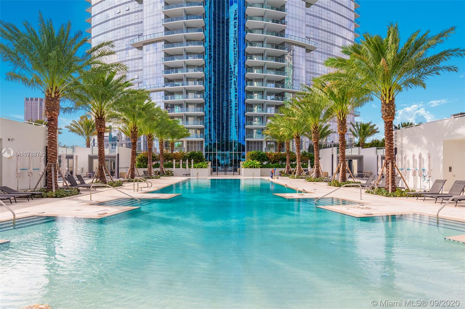 851 NE 1 Avenue #3212 For Sale A10788792, FL