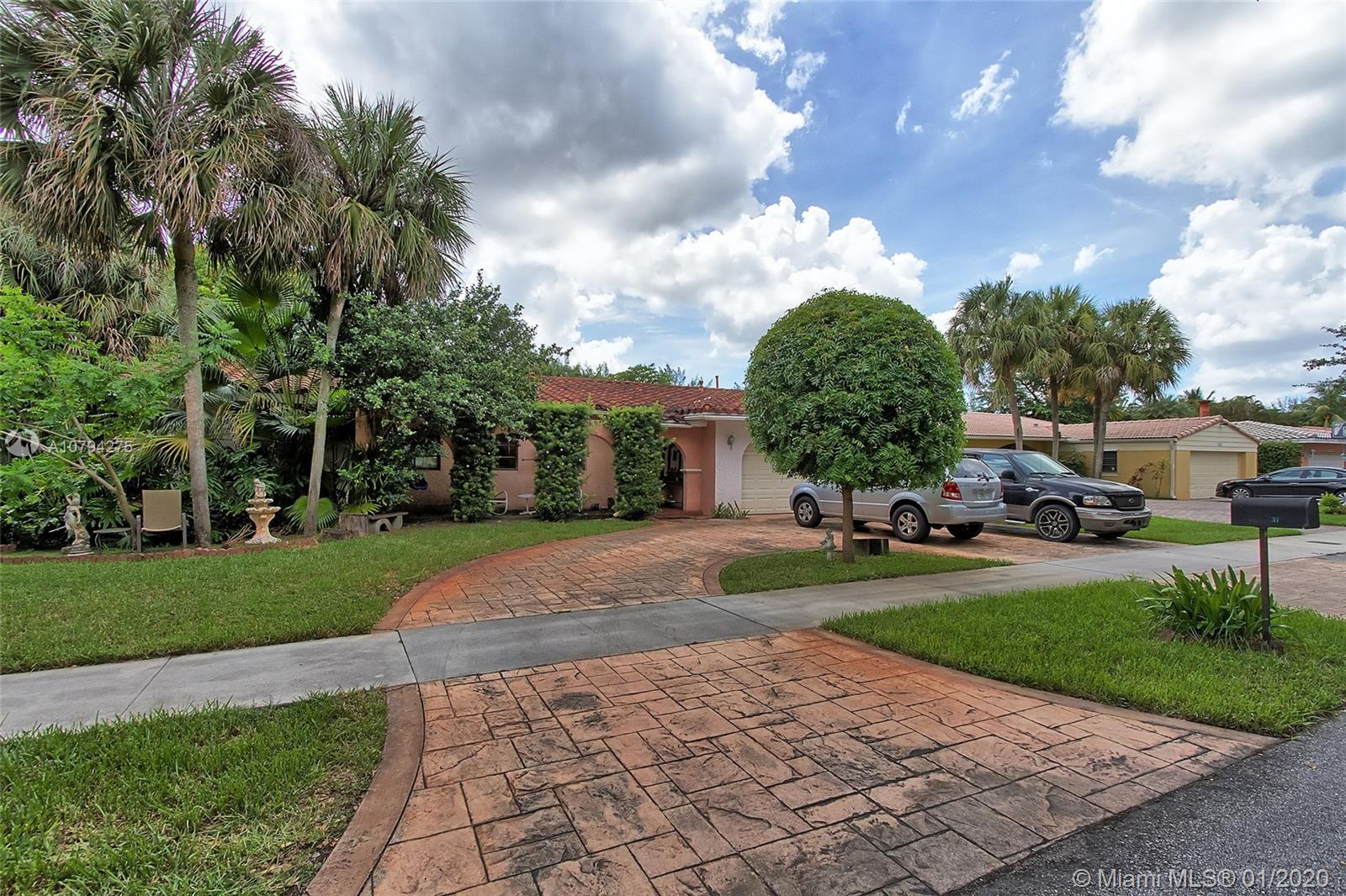 15331 Turnbull Dr, Miami Lakes, FL 33014