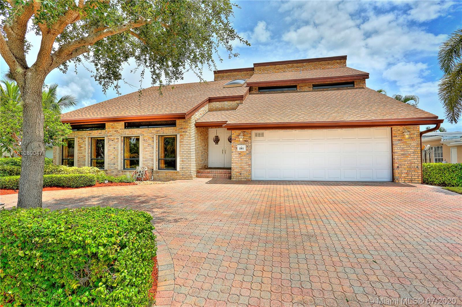 281 SE 11th St  For Sale A10800471, FL