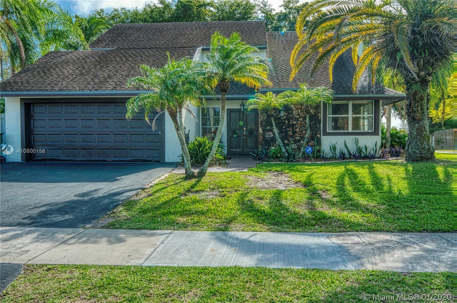 1720 S Goldeneye Ln, Homestead, FL 33035