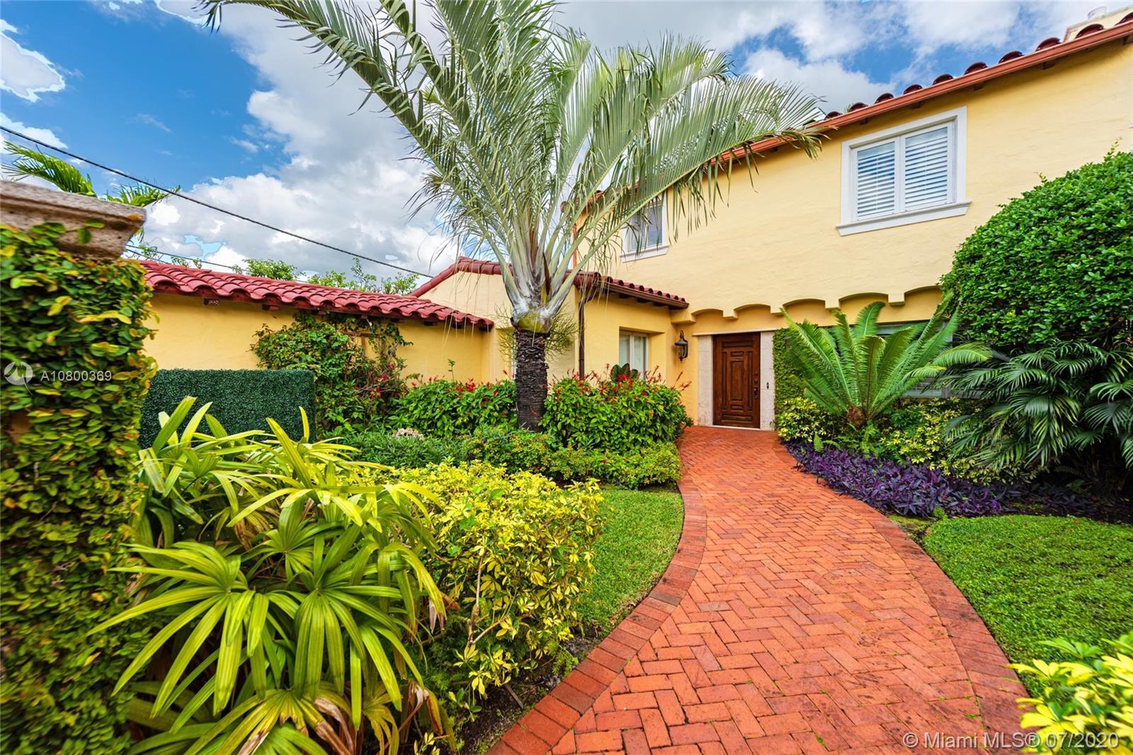5241 N Bay Rd  For Sale A10800369, FL