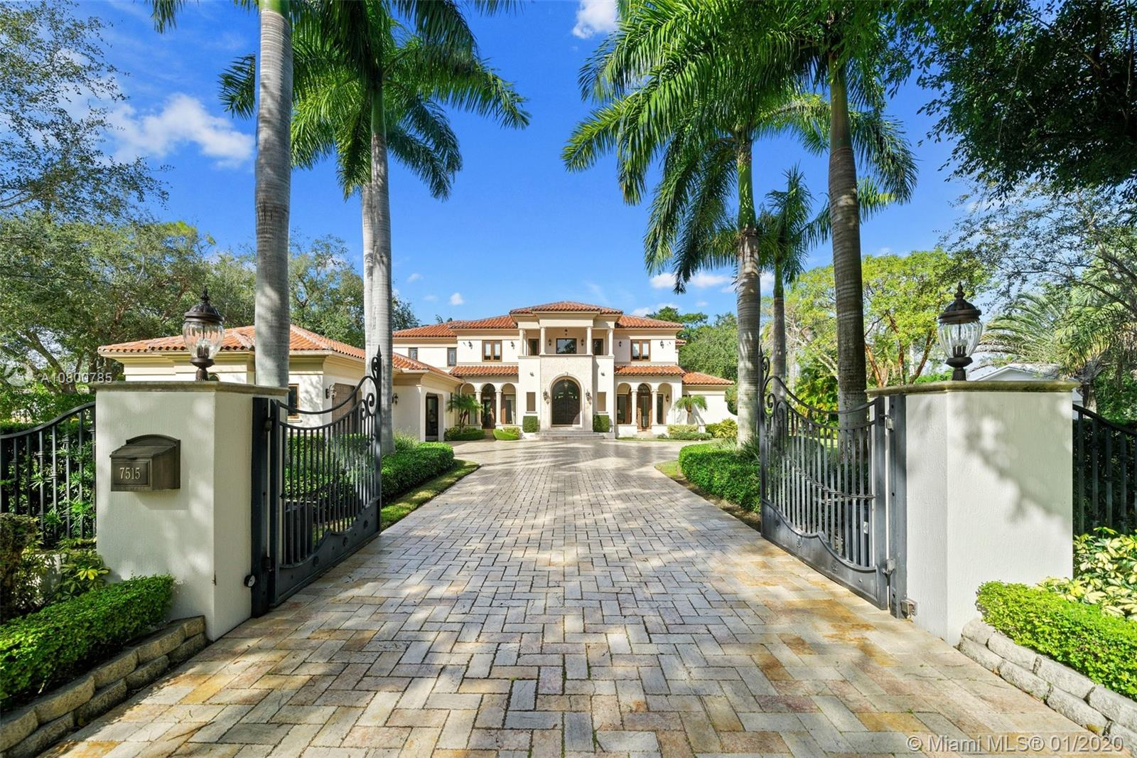 7515 SW 122nd St  For Sale A10800785, FL