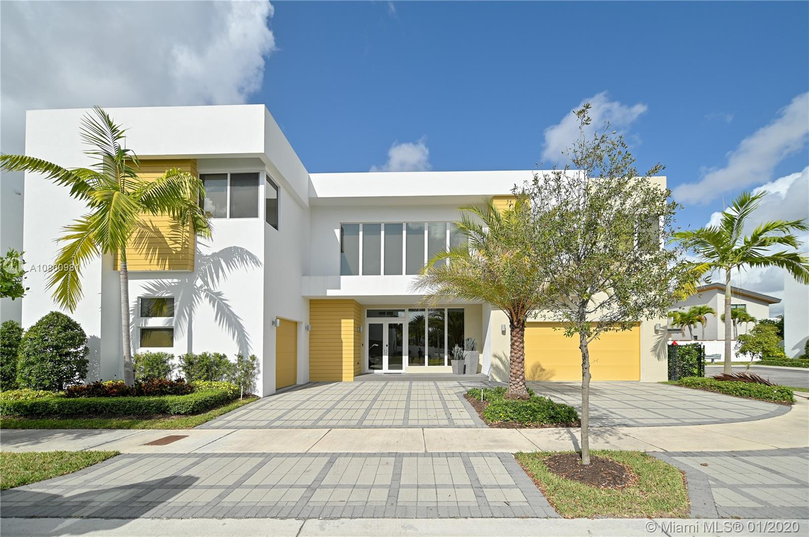 10223 NW 75th Ter  For Sale A10800981, FL