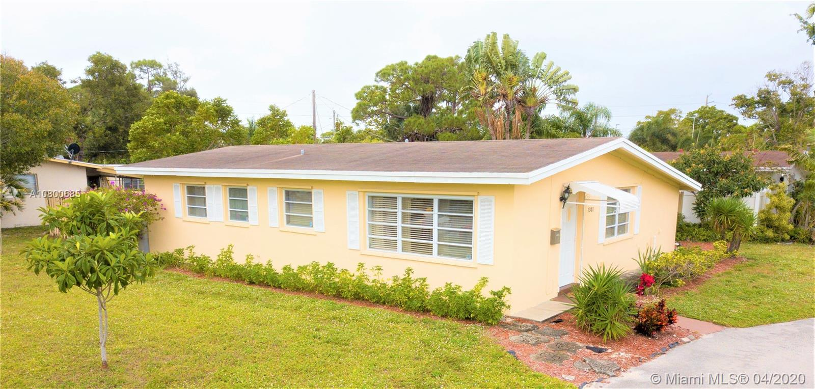 1301 SW 30th Ave  For Sale A10800685, FL