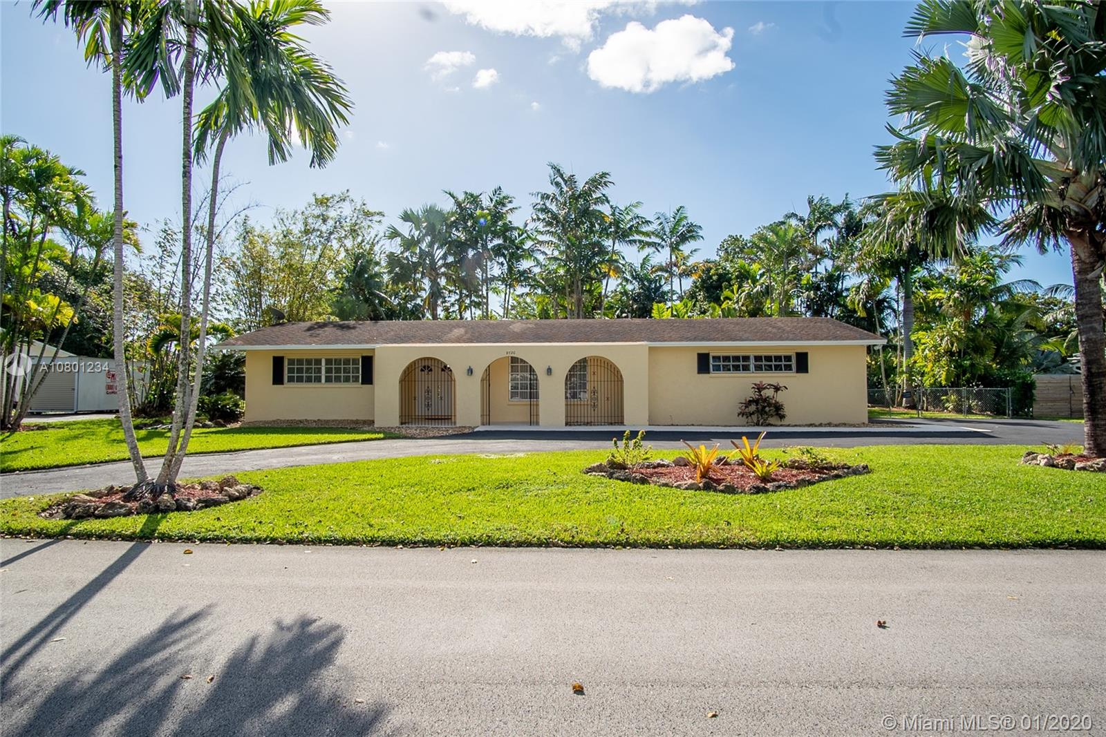 9720 SW 119th St  For Sale A10801234, FL