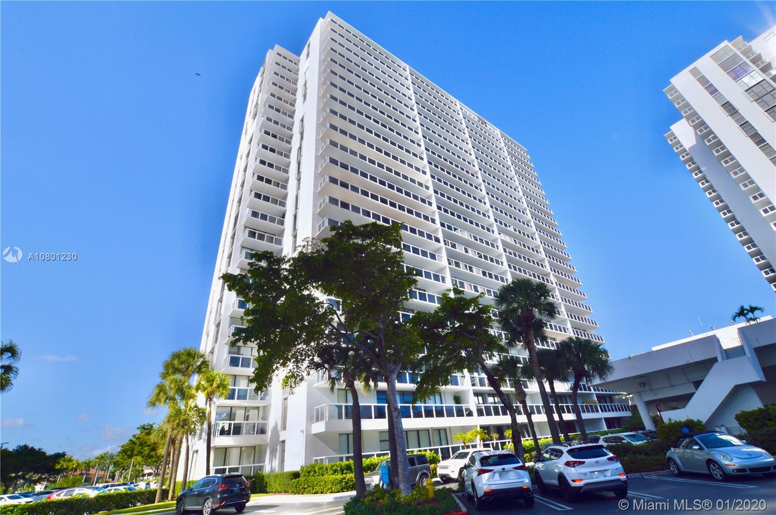 20505 E Country Club Dr #136-1 For Sale A10801230, FL