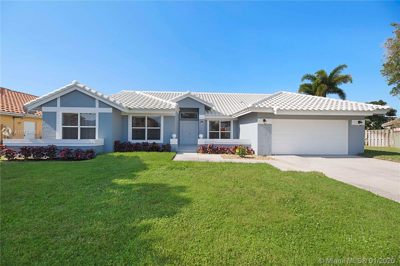 9696 W Lake Ct, Boca Raton, FL 33434