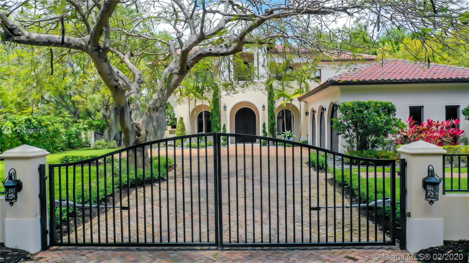 6885 SW 92nd St  For Sale A10800796, FL