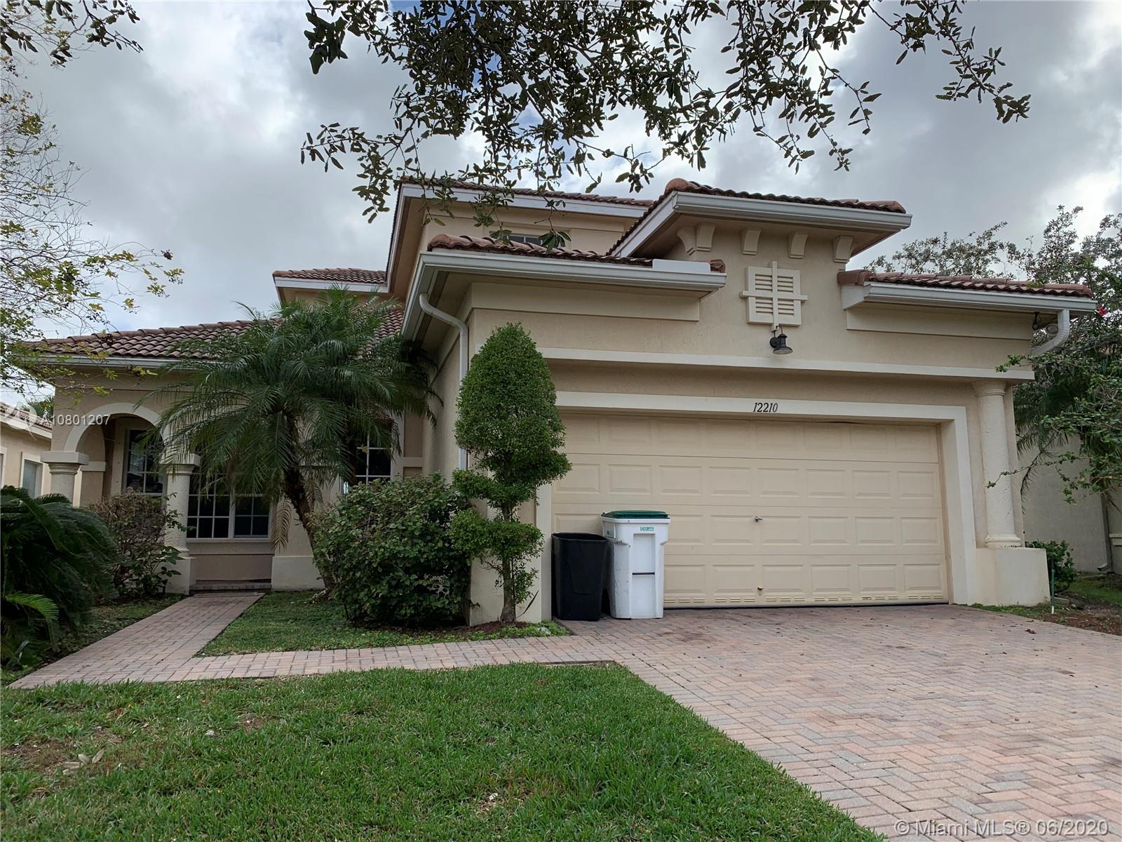 12210 NW 77th Mnr  For Sale A10801207, FL