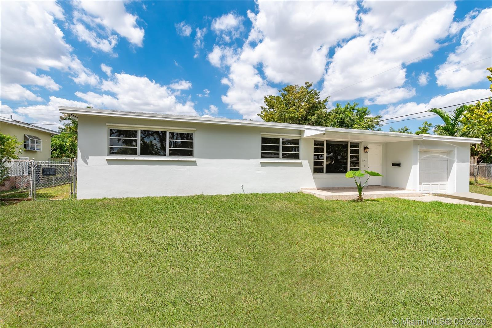 5302 SW 89 ave  For Sale A10801725, FL