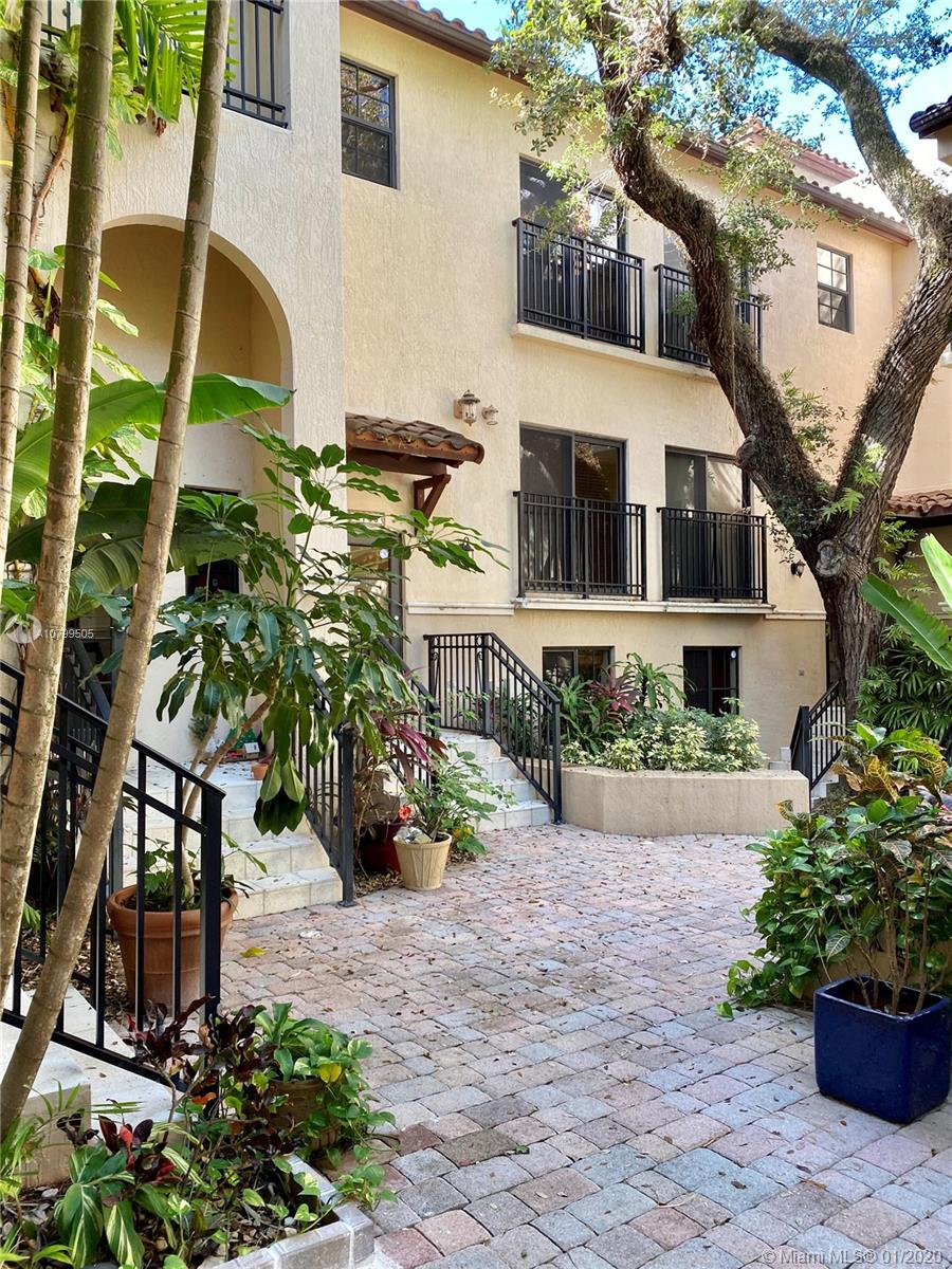 2765  Coconut Ave #2765 For Sale A10799505, FL