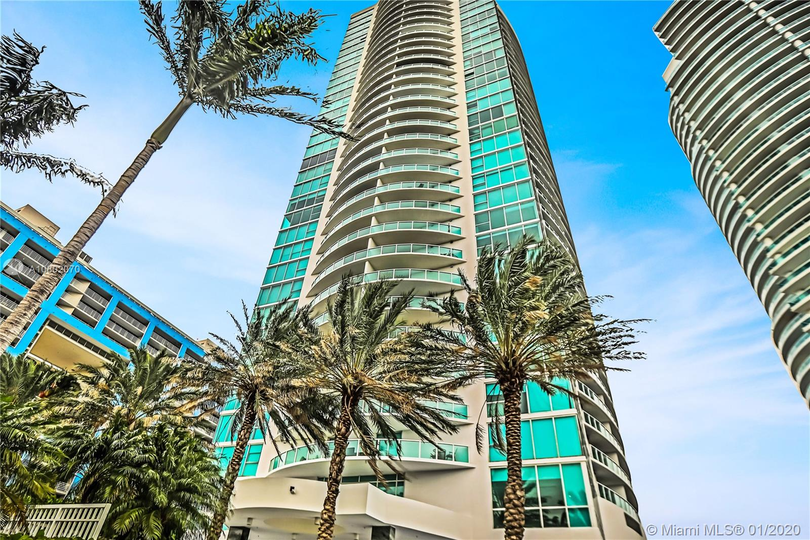 2101  Brickell Ave #2201 For Sale A10802070, FL