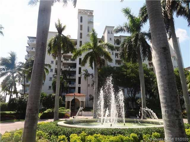 Bay View Condo with 4,010 SQ Ft of LA. Large spacious balconies with direct bay and city views. B