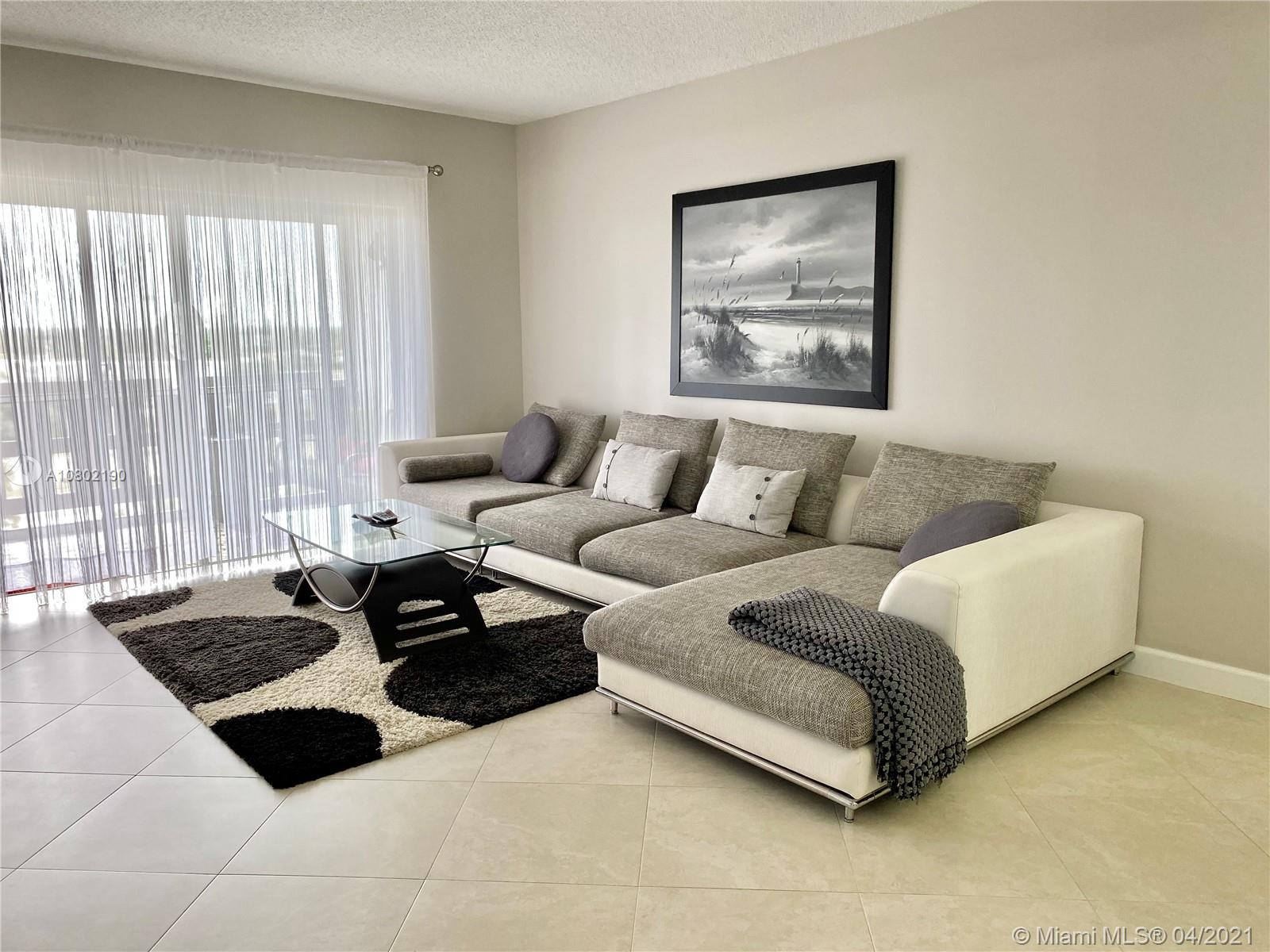 4330  Hillcrest Dr #703 For Sale A10802190, FL