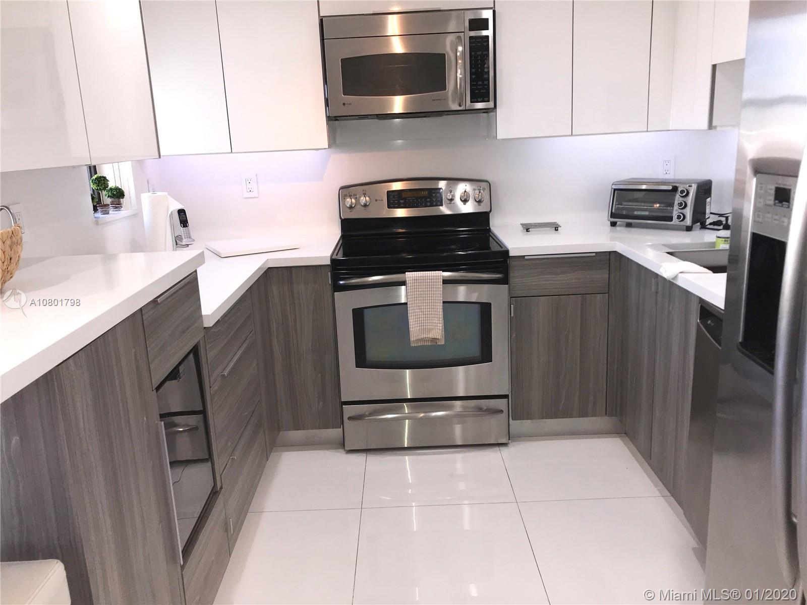1915  Brickell Avenue #813C For Sale A10801798, FL
