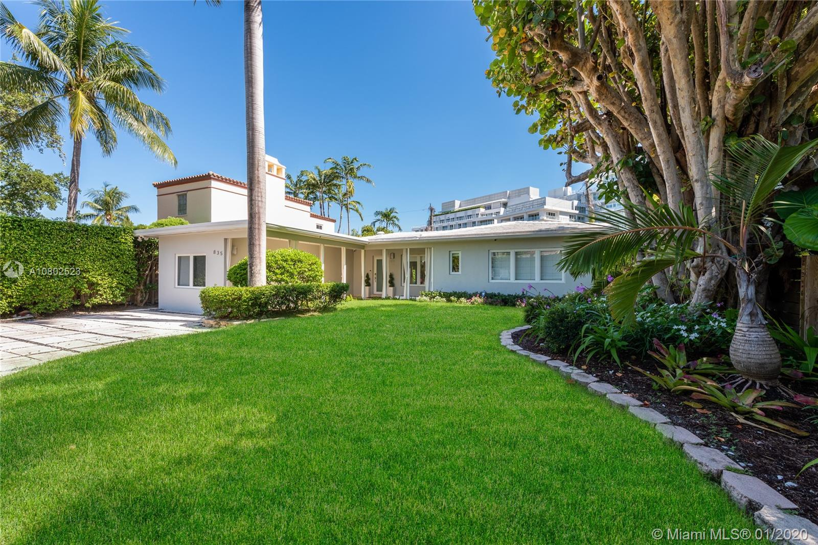835 W 47th St  For Sale A10802523, FL